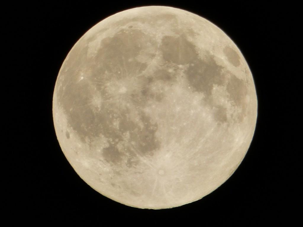 105-1 01 La lune