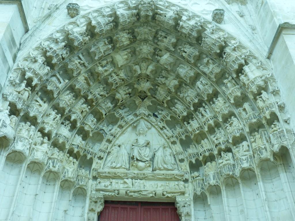 HS3 136 Le portail central