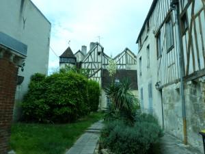 HS3 103 Une vielle maison
